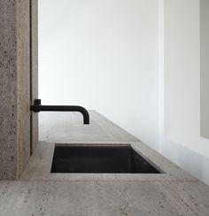 Kitchen by Glenn Sestig and Obumex in Iranian titanium travertine