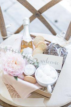 Welcome wedding basker