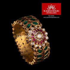 Silver Jewellery - Collane, Anello, s Earrings & Bracelets Gold Bangles Design, Gold Jewellery Design, Designer Jewellery, Jewellery Sale, Silver Bracelets, Silver Jewelry, Silver Ring, Emerald Jewelry, Women's Jewelry