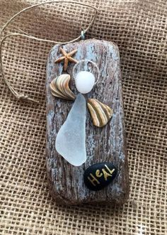 Healing beachcomber angel by BeachcombercraftArt on Etsy Sea Glass Crafts, Sea Crafts, Angel Crafts, Sea Glass Art, Sea Glass Jewelry, Seashell Art, Seashell Crafts, Stone Crafts, Rock Crafts