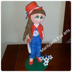 Fofucha viajera handmade by  Marilyanis Eva Arts