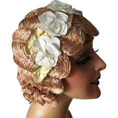 1920's Flapper Finger Wave Evening Wig Cloche Flower Hat Mannequin Bust…