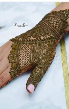 Rose Mehndi Designs, Latest Bridal Mehndi Designs, Indian Henna Designs, Latest Arabic Mehndi Designs, Henna Designs Feet, Beginner Henna Designs, Simple Arabic Mehndi Designs, Mehndi Designs For Girls, Wedding Mehndi Designs