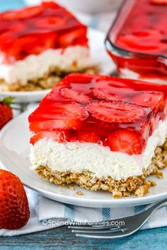 This strawberry pretzel salad is one of my favorite summer desserts! It perfectly combines a salty pretzel crust, with a creamy cool whip filling, and… - myeasyidea sites Jello Pretzel Desserts, Cool Whip Desserts, Easy Summer Desserts, Delicious Desserts, Summer Dessert Recipes, Yummy Food, Potluck Desserts, Desserts For A Crowd, Health Desserts