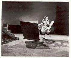 Vintage Disney Alice in Wonderland: Live Action Reference Photo - Alice Flees the Courtroom Alice In Wonderland Pictures, Alice In Wonderland 1951, Disney Fan Art, Disney Pixar, Kathryn Beaumont, Alice Madness, Cute Disney, Disney Live, Disney Animation