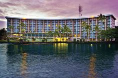 Castle Hilo Hawaiian Hotel is a picturesque bayfront hotel near the airport. Rooms from $119 per night!