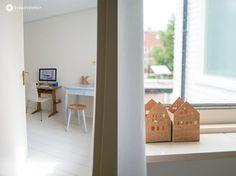 Arbeitszimmer renovieren, homeoffice, weißes Zimmer, weißer Fußboden, Dielenlook