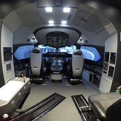 El simulador B787 ha sido certificado por la Dirección General de Aeronáutica Civil (DGAC) como nivel D de vuelo, máximo reconocimiento que recibe un simulador en materia de seguridad y operatividad aérea.