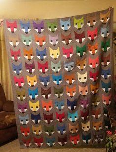 My Fancy fox quilt . Pattern by Elizabeth Hartman. Elizabeth Hartman Quilts, Fox Quilt, Fox Fabric, Forest Friends, Quilting Designs, Quilt Blocks, Applique, Fancy, Quilt Pattern