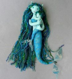 This sweet mermaid mother and her child are one of a kind, soft sculptures made by stretching a cotton knit skin over a fabric and wire armature. Mermaid Crafts, Mermaid Diy, Baby Mermaid, Mermaid Dolls, Vintage Mermaid, Tiny Dolls, Ooak Dolls, Art Dolls, Monster High Mermaid