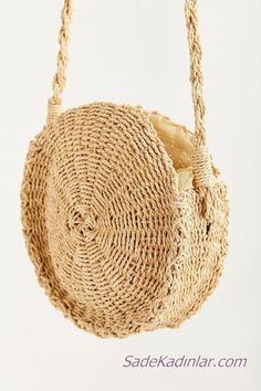 Urban Outfitters Small Circle Straw Round Crossbody Bag - Neutral One Size Crochet Accessories, Women's Accessories, Nike Roshe, Minimalist Bag, Travel Bags For Women, Round Bag, Basket Bag, Black Necklace, Wallets For Women
