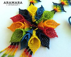 Ganesh Chaturthi Decoration, Beading Patterns, Crochet Patterns, Huichol Art, Mexican Jewelry, Beaded Jewelry Designs, Beaded Animals, Flower Necklace, Beaded Flowers