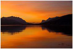 Solnedgang over Ersfjorden og Sandnessundet i Tromsø. Snart er det mørketid:)