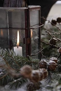 Beautiful winter candles setting by La Garçonniere Bed and Breakfast in Salerno Natural Christmas, Primitive Christmas, Christmas Love, Country Christmas, All Things Christmas, Winter Christmas, Winter Holidays, Nordic Christmas, Magical Christmas