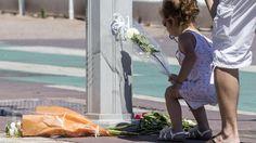 A Nizza, con tanti innocenti, è morta la pietà