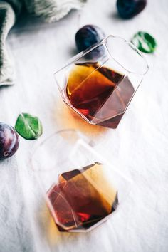 Plum Infused Old Fashioned | Artful Desperado | Bloglovin