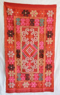 Vintage Peruvian Rug / Wall Hanging on Etsy, $275.00