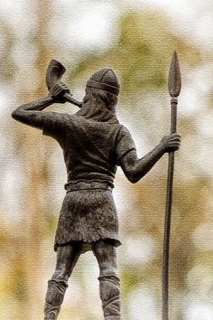 There are several statues of famous Vikings all over Norway and Scandinavia. Rollo Of Normandy, History Of Norway, Norwegian People, Erik The Red, Sons Of Ragnar, Bone Diseases, British Royal Families, Viking Age
