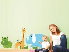 8- Savana  Un elefante, una giraffa e un ippopotamo a passeggio. Un angolo di foresta per far volare la fantasia dei piccoli. Decorazione adatta a bambine e bambini fino ai 13 anni.  Misure max: H 110 cm x L 160 cm