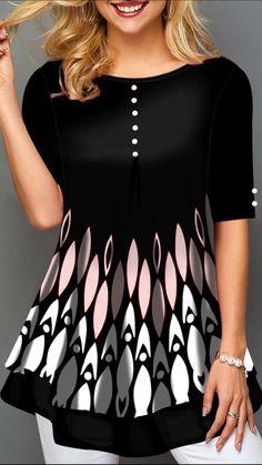 trendy tops for women online on sale Trendy Tops For Women, Blouses For Women, Fashion Drawing Dresses, Kurta Designs Women, Pakistani Dress Design, Fashion Outfits, Womens Fashion, Plus Size Outfits, Vintage