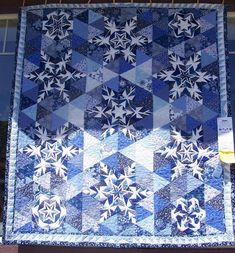 Rebel's Work In Progress: Sisters Quilt Show Snowflake quilt Blue Quilts, Star Quilts, Quilt Blocks, Snowflake Quilt, Snowflakes, Paper Pieced Quilt Patterns, Winter Quilts, Foundation Paper Piecing, Quilt Making