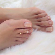 The Pedi-Connoisseur: Photo Sexy Nails, Sexy Toes, Toe Nails, Nice Toes, Pretty Toes, Feet Soles, Women's Feet, White Toenails, Foot Love