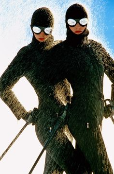 Photo Hans Feurer Bogner Ski Clothing, 1980 Love the mirrored lenses and the style! Ski Vintage, Vintage Winter, Ski Fashion, Daily Fashion, Winter Fashion, Terry Richardson, Patrick Demarchelier, Fashion Images, Fashion Pictures
