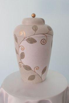 Vale Urne weiß gestaltet von Gabriele Ott // vale urn for human ashes - funeral urn vale white Design from Gabriele Ott