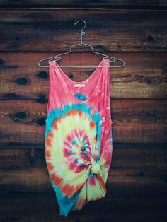 #DIY tie dye tank tops for the beach