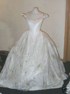 Phantom of the Opera 2004 Think of Me dress. Want this some day.