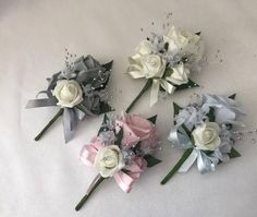 Wedding buttonhole corsage ladies flowers mothers pin on groom bride bouquet Wedding Bridesmaid Bouquets, Corsage Wedding, Bride Bouquets, Bouquet Wedding, Beach Wedding Headpieces, Headpiece Wedding, Mother Of Bride Corsage, Mother Of The Bride, Rose Corsage