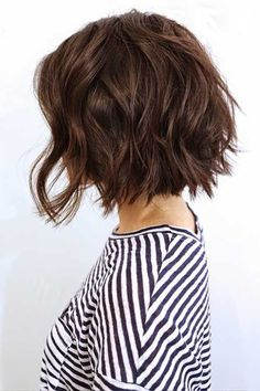 10 Bob Hairstyles For Thick Wavy Hair - Hair Short Textured Haircuts, Wavy Bob Haircuts, Summer Haircuts, Short Textured Bob, Haircut Bob, Short Haircut Thick Hair, Page Haircut, Brown Bob Haircut, Messy Bob Haircut Medium