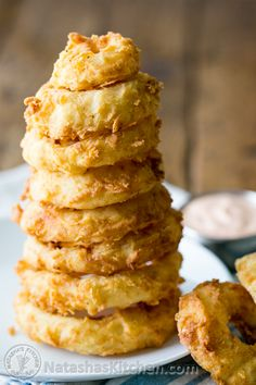 Crisp Onion Rings and Fry Sauce (These are awesome in burgers or as an appetizer!) from @natashaskitchen