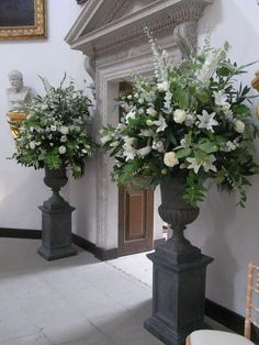 Choosing The Flower Arrangements For Church Wedding Church Flower Arrangements, Wedding Flower Arrangements, Floral Arrangements, Wedding Ceremony Flowers, Floral Wedding, Wedding Bouquets, Alter Flowers, Church Flowers, Deco Floral