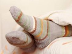 Socks Help You Sleep! Use this sock trick to help you sleep faster and easier. How To Sleep Faster, When You Sleep, Onion In Sock, How To Cut Onions, Merino Wool Socks, Bamboo Socks, Girly, Cold Feet, Winter Socks