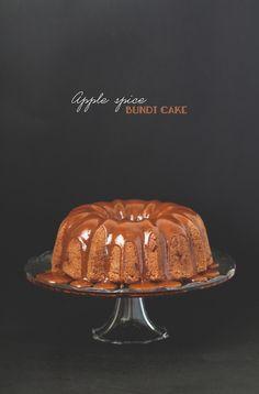 Apple spice bundt cake - Lost in Cupcakes