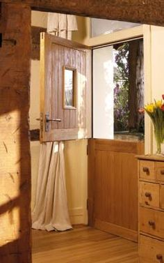 great for keeping the house aired without the dogs walking muck straight in the house: Stable Oak door External Hardwood Doors, External Doors, Barn Conversion Interiors, Cottage Door, Cottage Windows, Cottage Kitchens, Oak Doors, Kitchen Doors, Cottage Interiors