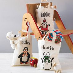 Christmas is coming. Now, get your own Christmas tote bags. Bulk specializes in manufacturing customized bags. For more Information  Please contact us: global@packing.com.tw #Bulk#Christmas #customizedbags
