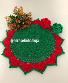 We have already started preparations for Christmas, make sure yours is in advance . Christmas Makes, Favorite Color, Crochet Earrings, Crochet Patterns, Instagram, Crochet Hats, Photo And Video, Holiday Decor, How To Make
