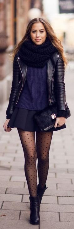 Spadek #streetstyle   bicker dzianiny kurtka + granatowy sweter + spódnica + mini kostki botki + ponadgabarytowych szalik przez ella.ninel