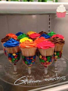 cupcakes-copa-rocklets-candy-bar-637611-MLA20610995967_032016-F.jpg (900×1200)