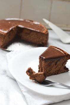 Guinness Chocolate Cheesecake recipe. A creamy chocolate cake made with Guinness and topped with a rich chocolate ganache.