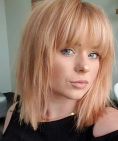 Fringe Hairstyles 2020 are considered an important new trend. This Year will be marked with comeback of fringe/bang hairstyles for Most of the Women use these wonderful fringe hairstyles 2020 to hide their age and look beautiful in Fringe Hairstyles, Hairstyles With Bangs, 80s Hairstyles, Hairstyle Ideas, Vintage Hairstyles, Easy Hairstyle, Formal Hairstyles, Bridal Hairstyles, Everyday Hairstyles