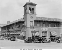 Wolferman's Grocery Store - street view - located at the Country Club Plaza  at 47th and Wyamdotte.  1930s