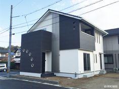倉敷市-Kurashiki city- A様邸 Garage Doors, Outdoor Decor, Home Decor, Decoration Home, Room Decor, Home Interior Design, Carriage Doors, Home Decoration, Interior Design
