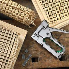Home Projects, Home Crafts, Bedside Table Ikea, Diy Furniture, Furniture Design, Estilo Tropical, Muebles Living, Minimalist Home Decor, Diy Cabinets