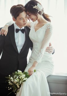 K Korea pre wedding - Korea Images Pre Wedding Poses, Pre Wedding Photoshoot, Wedding Shoot, Wedding Couples, Wedding Bride, Asian Wedding Dress, Korean Wedding, Romantic Wedding Receptions, Glamorous Wedding