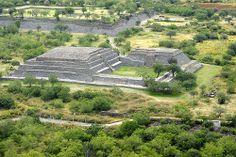 HOTEL CASA DE AVES, te informa: El yacimiento arqueológico Peralta, uno de los más extensos de Guanajuato, se ubica en el municipio de Abasolo. En su museo, inaugurado en 2011, se pueden apreciar algunas de las piezas encontradas en el yacimiento, construido por sociedades prehispánicas que habitaron esta región entre los años 300 y 700 de nuestra era, atraídos por lo fértiles suelos de la planicie del río Lerma, no dejes de visitarlo.