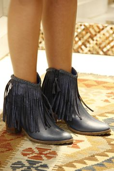 #fashion #leather #colombiandesign Ankle, Leather, Outfits, Shoes, Design, Fashion, World, Vestidos, Boots