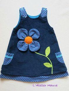 Size: 4 years Thank you Stéphanie po … - Baby Dress Frocks For Girls, Kids Frocks, Little Dresses, Little Girl Dresses, Baby Dress Design, Baby Girl Dress Patterns, Baby Frocks Designs, Baby Sewing, Fashion Kids